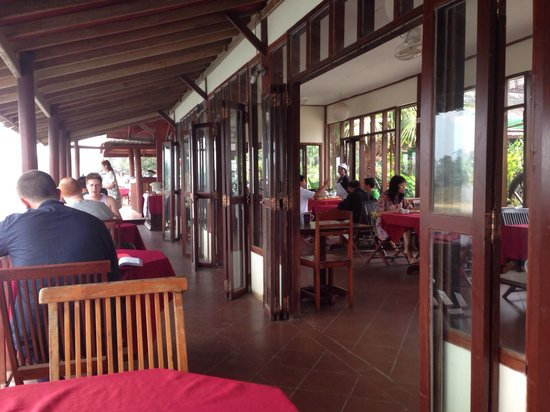 The Elephant Crossing Hotel: Dining area