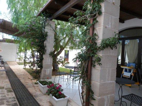 Hotel Masseria L'Ovile: Garden