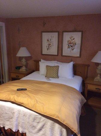 FogCatcher Inn : Family suite - 2nd bedroom.