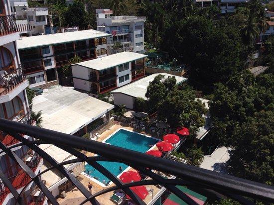 Real Bananas Hotel & Villas: Vista a alberca desde habitaciones del 9no piso