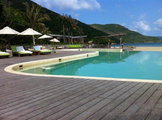 Six Senses Con Dao : main pool area