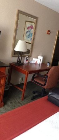 Holiday Inn Express Poughkeepsie: Room 432 Fridge, Microwave, Desk area.