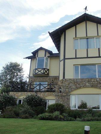 Hosteria Le Lac: Hosteria (frente)