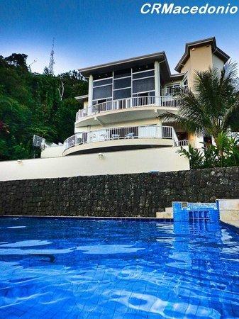 Villa Tenorio: Vista de dentro da piscina
