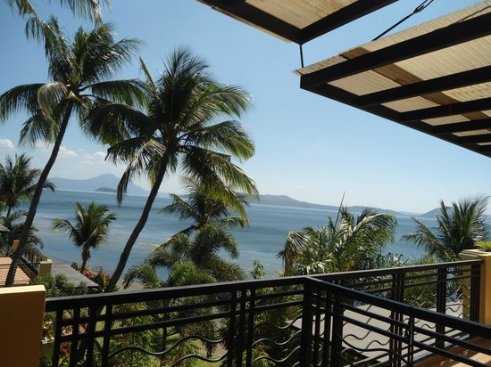 Club Balai Isabel: front door balcony view of the lake