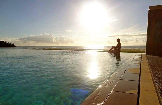 InterContinental Fiji Golf Resort & Spa: Sunet
