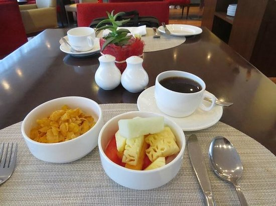 Four Points by Sheraton New Delhi, Airport Highway: Buffet Breakfast
