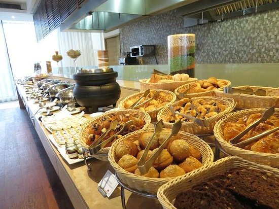 Four Points by Sheraton New Delhi, Airport Highway: Breakfast Buffet