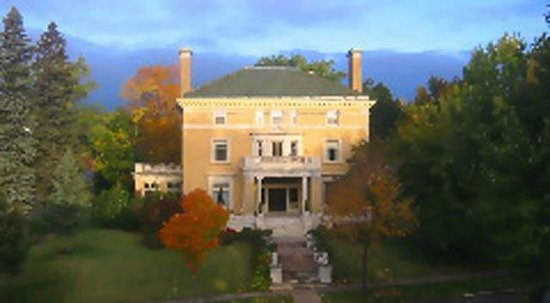 Cotton Mansion: Gilded Age Elegance
