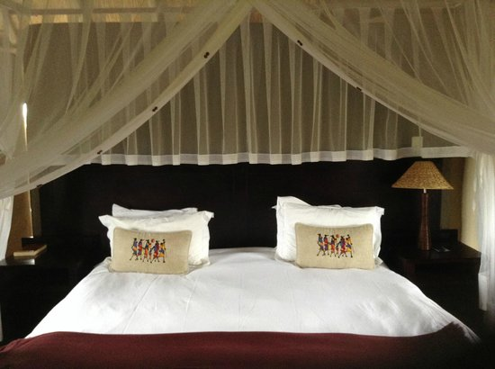 Hlosi Game Lodge : Bed