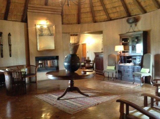 Hlosi Game Lodge: Lodge