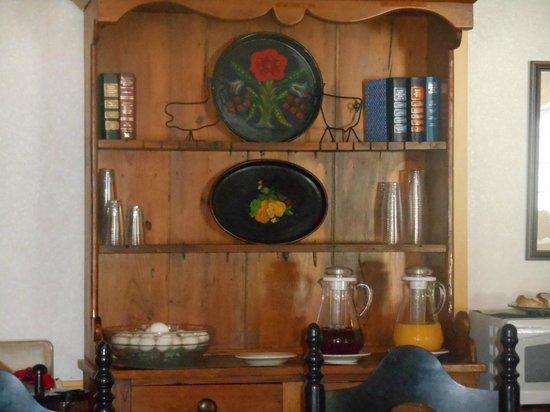 1896 House - Brookside & Pondside Motels: juice bar