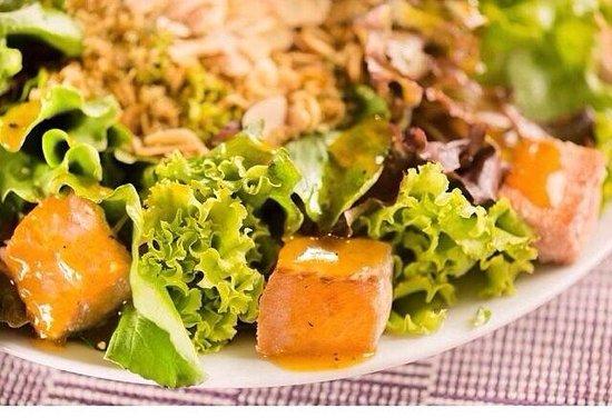 Del Mito Bocadillos : Salada de salmão