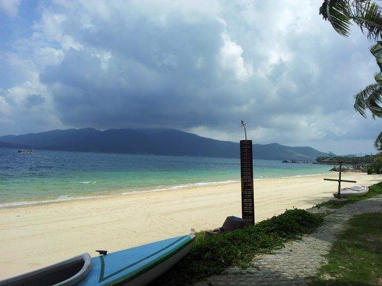 Merperle Hon Tam Resort Beauty Beach