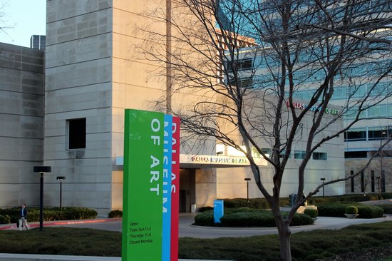 Dallas Museum Of Art - The Exterior
