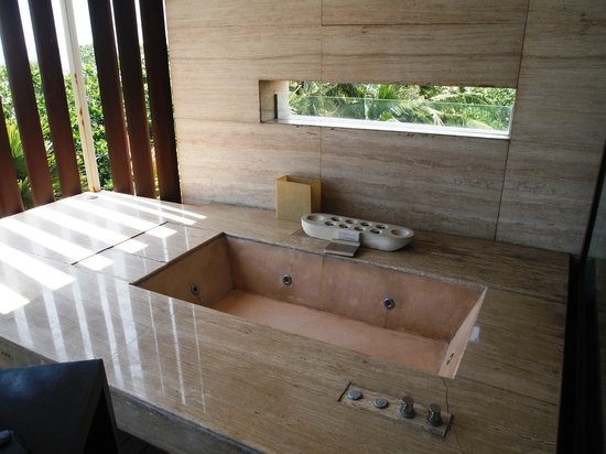 Anantara Seminyak Bali Resort: Jacuzzi