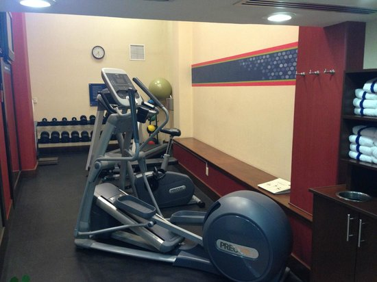 Hampton Inn & Suites Mexico City - Centro Historico: Gym