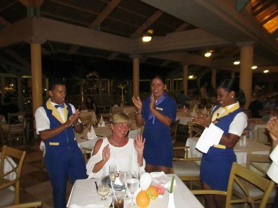 Iberostar  Bávaro Suites: Rigo and the staff  B day dinner surprise