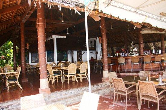 Atlantis Dive Resorts Dumaguete: dining area