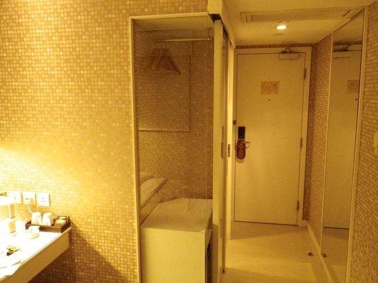 Silka Seaview Hotel: вид на номер от окна