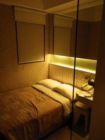 Silka Seaview Hotel: вид на номер от двери в санузел