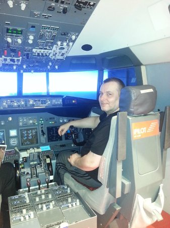 iPILOT Flight Simulator Experience: Me feeling chuffed with myself after a landing on iPilot