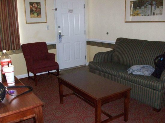 Luxbury Inn & Suites: looking at door from dining table