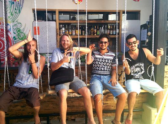 Jungle Party Hostal Club & Restaurant: Just the boys...