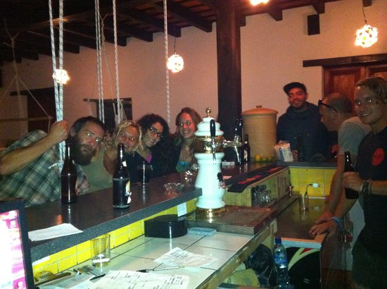 Jungle Party Hostal Club & Restaurant: We love tequilas for Q5.00 and we give them all day