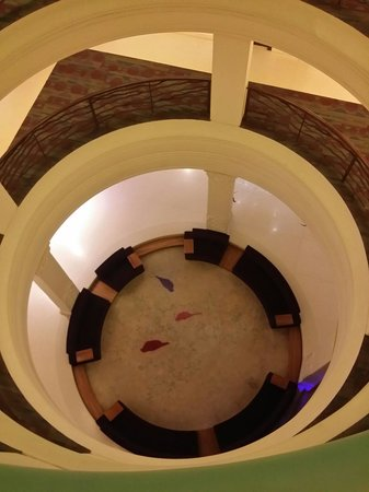 Barsana Hotel & Resort: Looking down to the ground floor