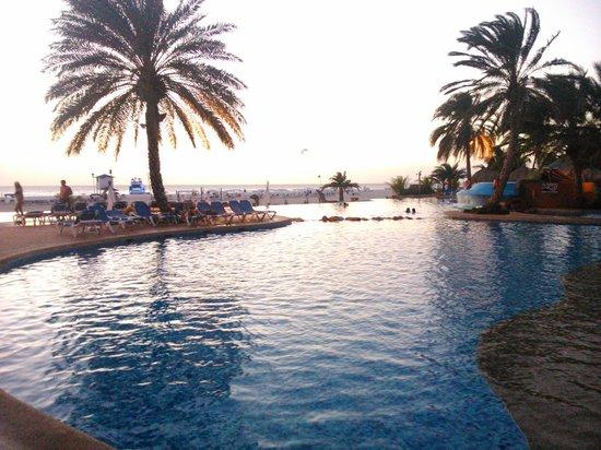 SUNSOL Punta Blanca: pileta del hotel de dia