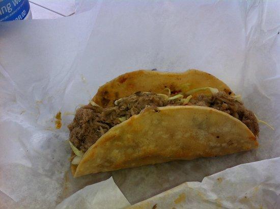 Pat's Taqueria: Kalua pork taco