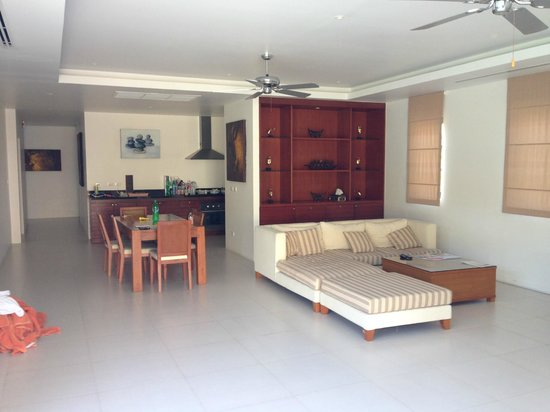 The Residence Resort and Spa Retreat: Lounge and Dining
