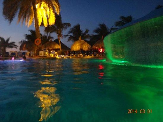 SUNSOL Punta Blanca: pileta del hotel