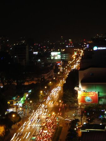 Le Duy Hotel: view from roof and front rooms