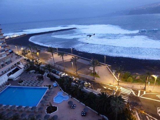 Sol Costa Atlantis: the pool and beach