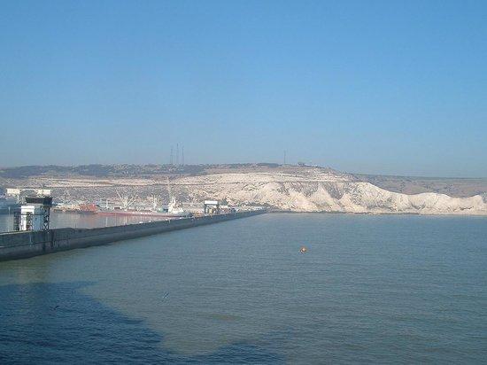 Dover Beach: Puerto de Dover.