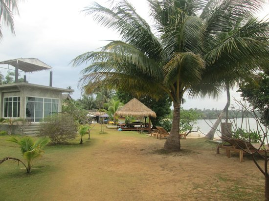 Ao Kao White Sand Beach Resort: Resort grounds