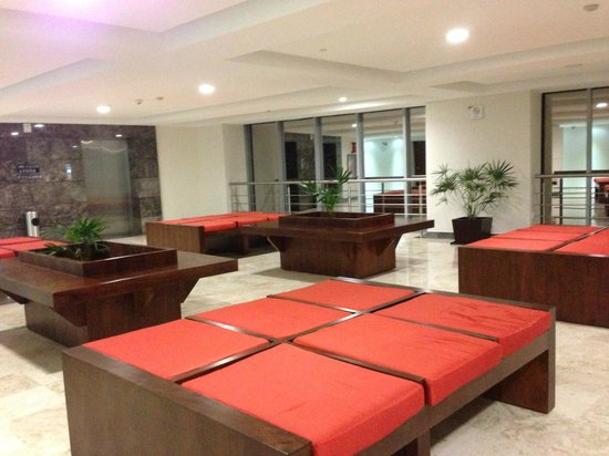 Azul Ixtapa Grand Spa & Convention Center: elevator waiting area