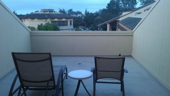 Hilton Garden Inn Monterey: 3rd floor balcony