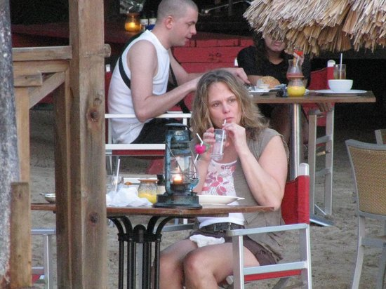 Pirate Bay Beach Bar and Restaurant : Beautiful woman!