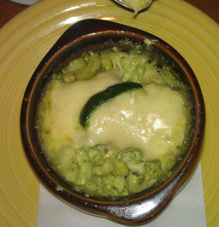 Hula's Island Grill : Amazing Poblano chili Mac and Cheese