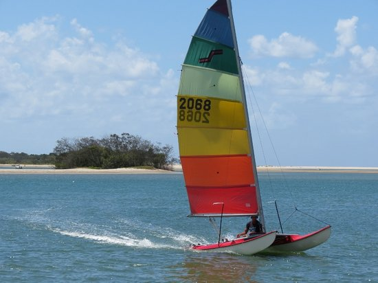 Noosa Watersports: catamaran sailing noosa river