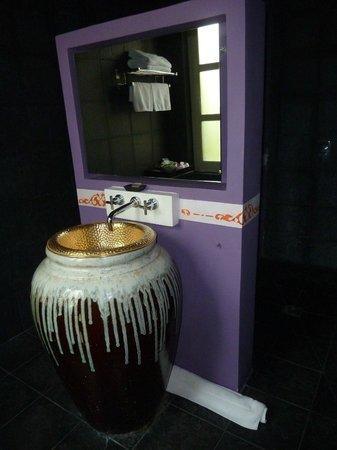 Alexandra Box - Salle de bain Villa Maly - Laos