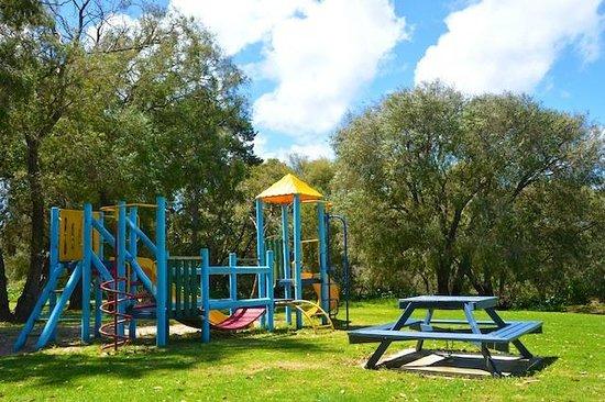 Caves Caravan Park Yallingup: Child friendly