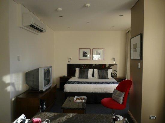 Meriton Suites Kent Street, Sydney: Le lit