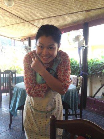The Breakfast Hut: hostess =) Noi