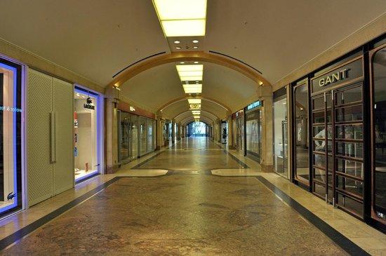Königsallee (Kö): галерея магазинов