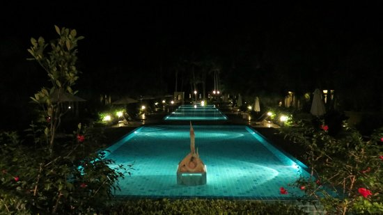 The Passage Samui Villas & Resort: The Pools at Night