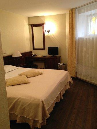 Taanilinna Hotell: номер в отеле